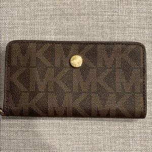 Michael Kors Wallet/Cell Phone Case